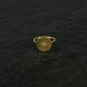 Fingerring med krystal,guld