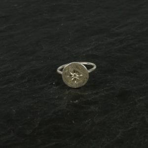 Fingerring med krystal,sølv