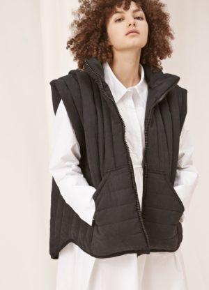 Grace vest, Black